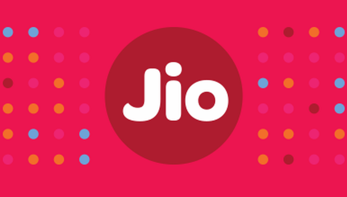 Jio vs Others networks Hit out at Jio with Offers Data & Calls 1 Behind History